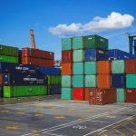 日本からブラジルへの荷物の郵送方法と関税に関わる噂の検証